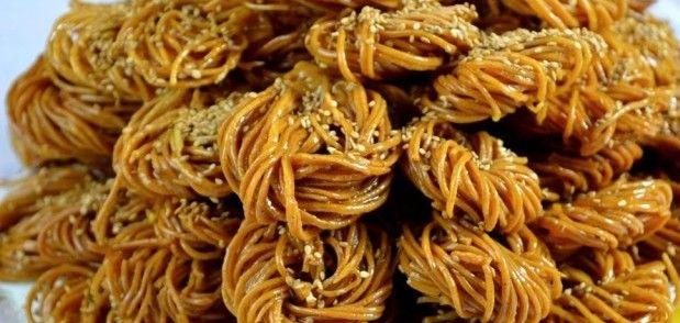 البشنيخة طريقة سهلىة ولدة بشكل معتبر معسلة وهشيشة Indian Dessert Recipes Desserts Around The World Cooking Recipes
