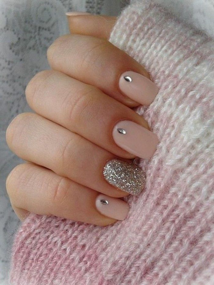 ongles en rose pale, modele d\u0027ongle en gel