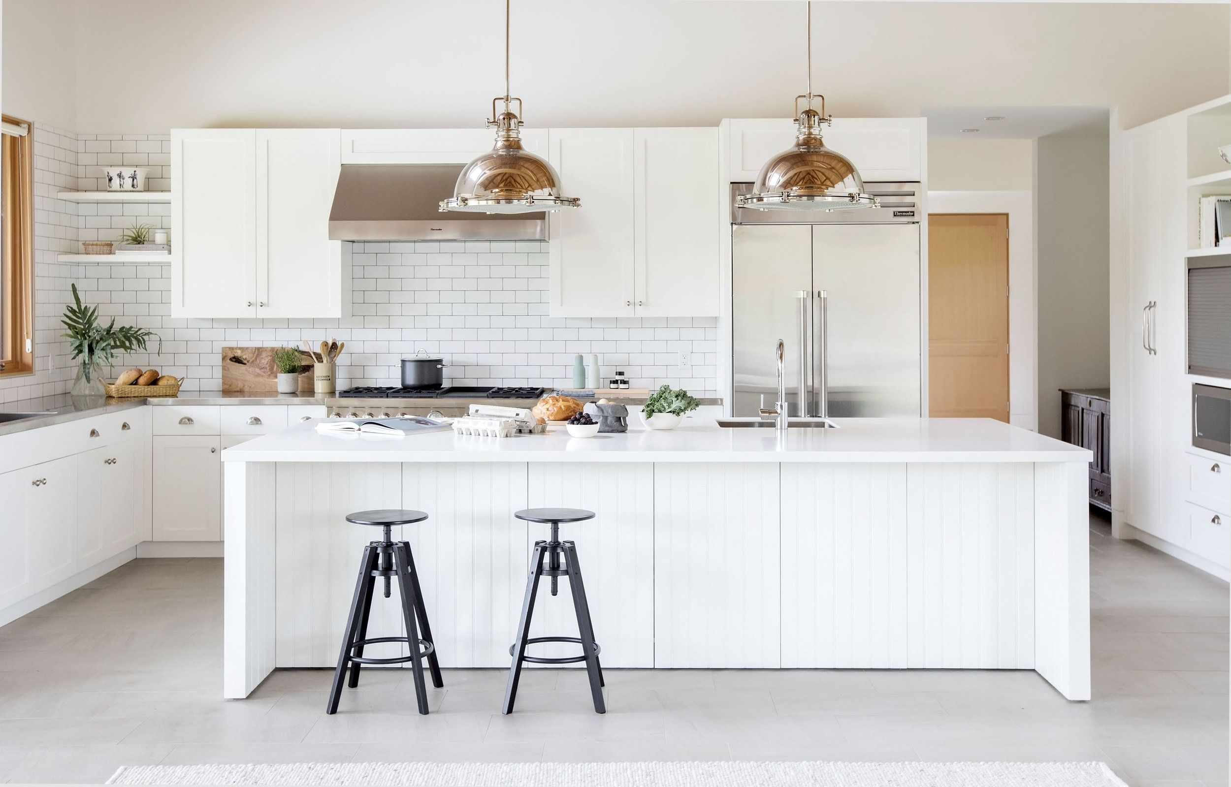 White Modern Farmhouse Kitchen, Architect Scott Posno