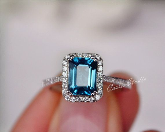 GLAMOROUS  2.20 ct NATURAL GENUINE EMERALD  STATEMENT  RING  STERLING  SILVER