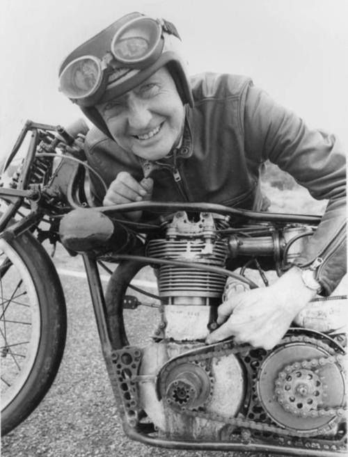 Burt Monroe With His World S Fastest Indian Motorcycle Racing