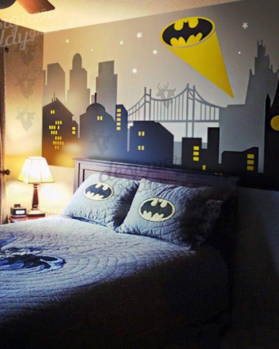 Best Gotham City Night Scene With Batman Light Batman Bedroom 640 x 480