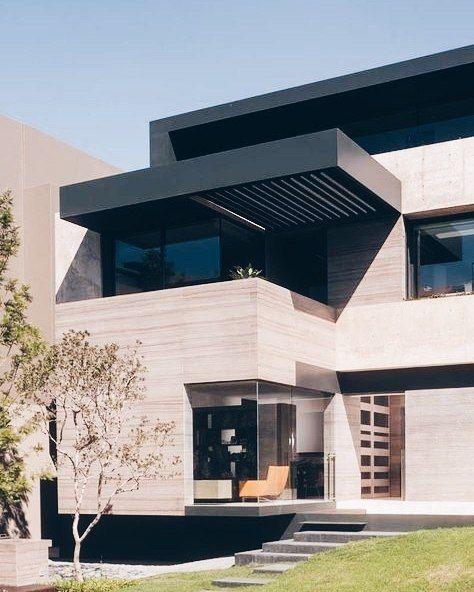 新築住宅の外観アイディア10選 箱型なナウトレンドデザイン: Currently Inspired By Casa ML By Gantous Arquitectos