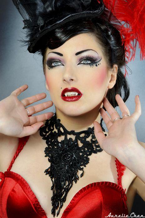 Comtesse Burlesque By Aureliechen On Deviantart Vampir Schminken Frau Halloween Make Up Vampir Halloween Vampir