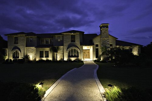 Driveway lighting and building up lighting for Driveway landscape lighting