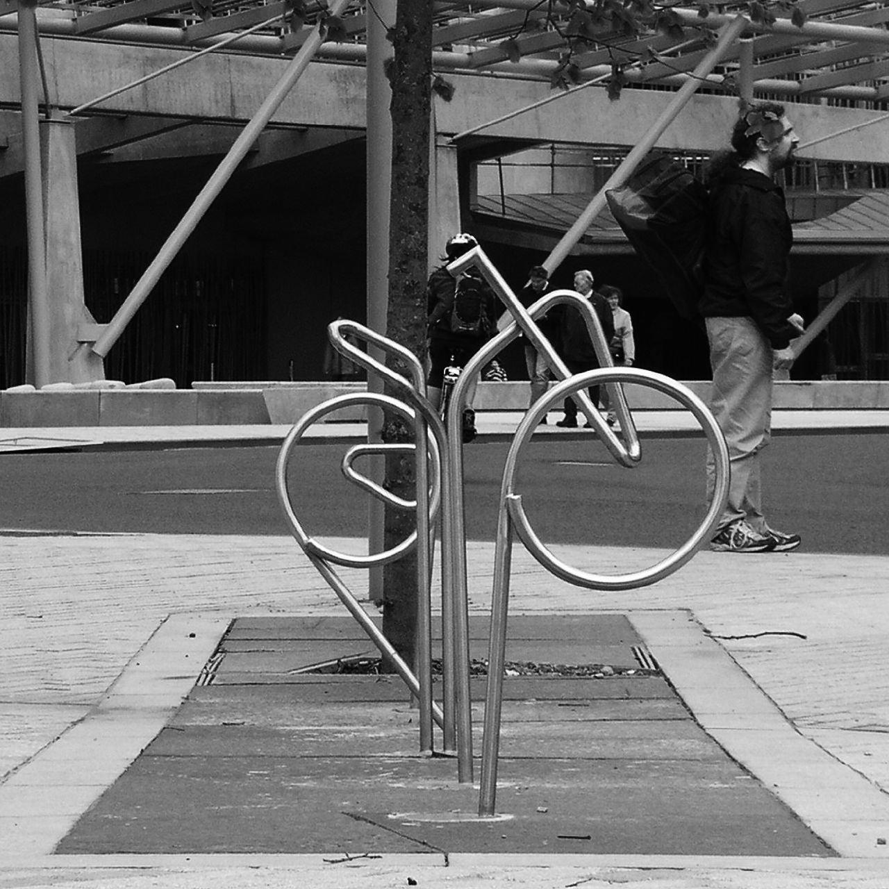 Google Image Result for http://upload.wikimedia.org/wikipedia/commons/3/3b/Scottish_Parliament_bike_racks.jpg