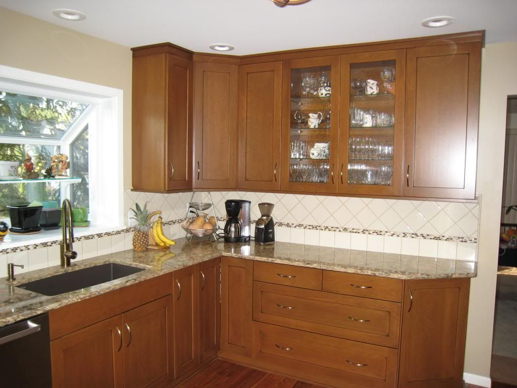 Brookhaven And Kitchen And Cabinet Cabinets Brookhaven Autumn Cherry With A Black Glaze Kitchen Home Decor Brookhaven