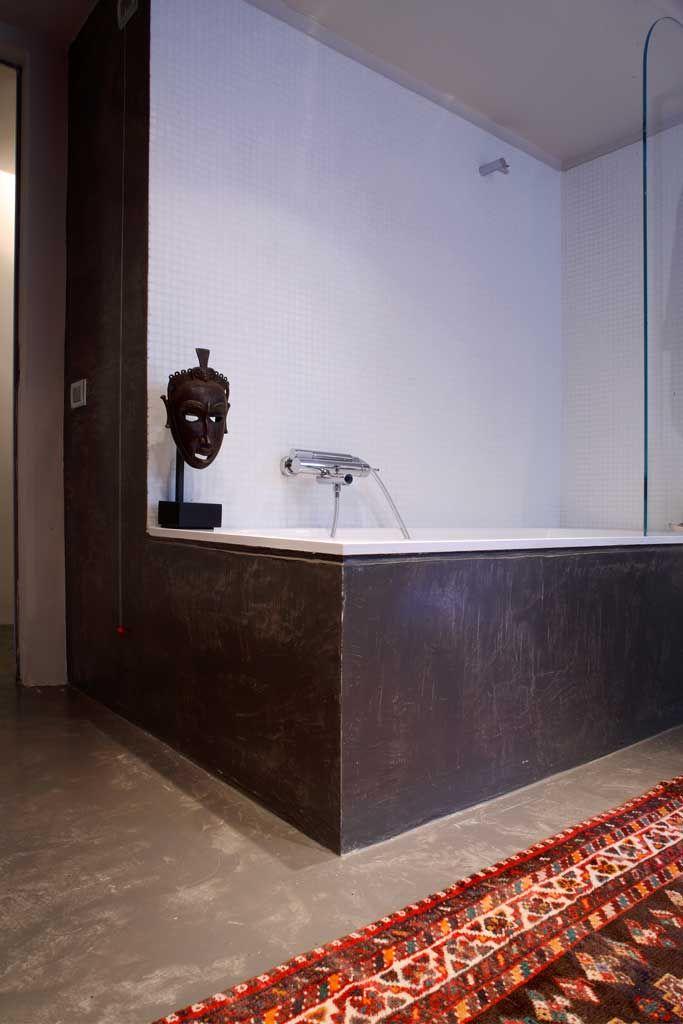 pavimento epossicemento spatolato parete microcemento vasca spatolato
