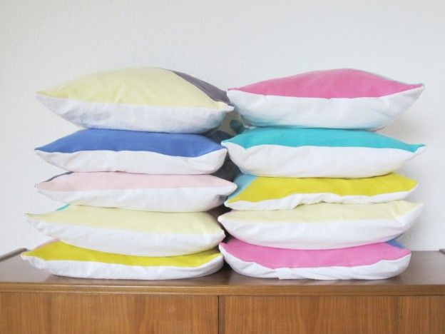 upcycling recycling bunt t shirts stoff sofakissen throw pillow deko couch stapel. Black Bedroom Furniture Sets. Home Design Ideas