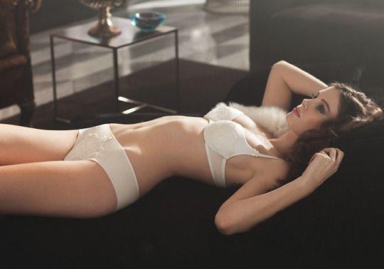 bravo Erotic girl