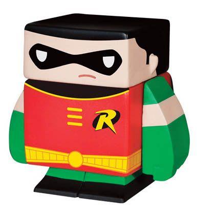 Figura magnética Robin 4 cm. DC Cómics. Funko Espectacular figurita fabricada en vinilo con 5 partes extraíbles e imantadas del personaje de Robin de 4 cm, 100% oficial y licenciada. De buen seguro este un regalo muy original y divertido.