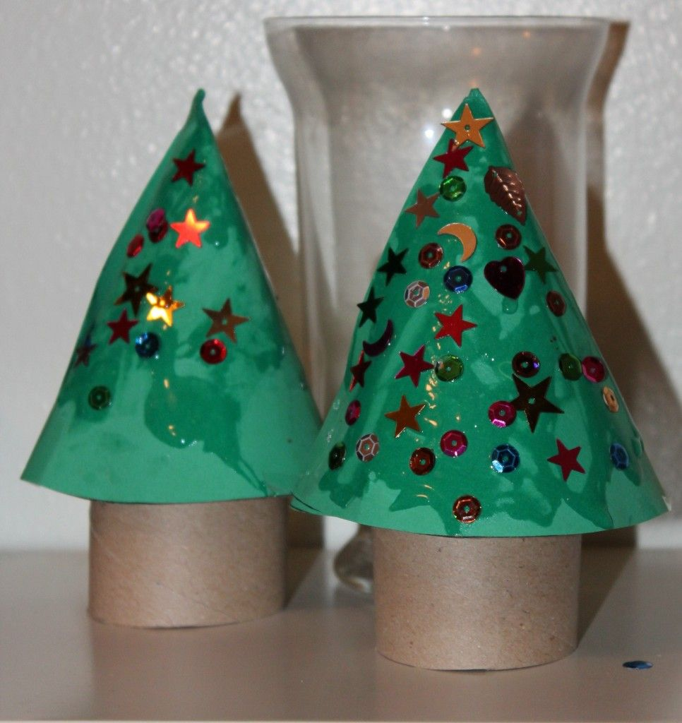 Christmas Tree Craft is an oldie but goodie