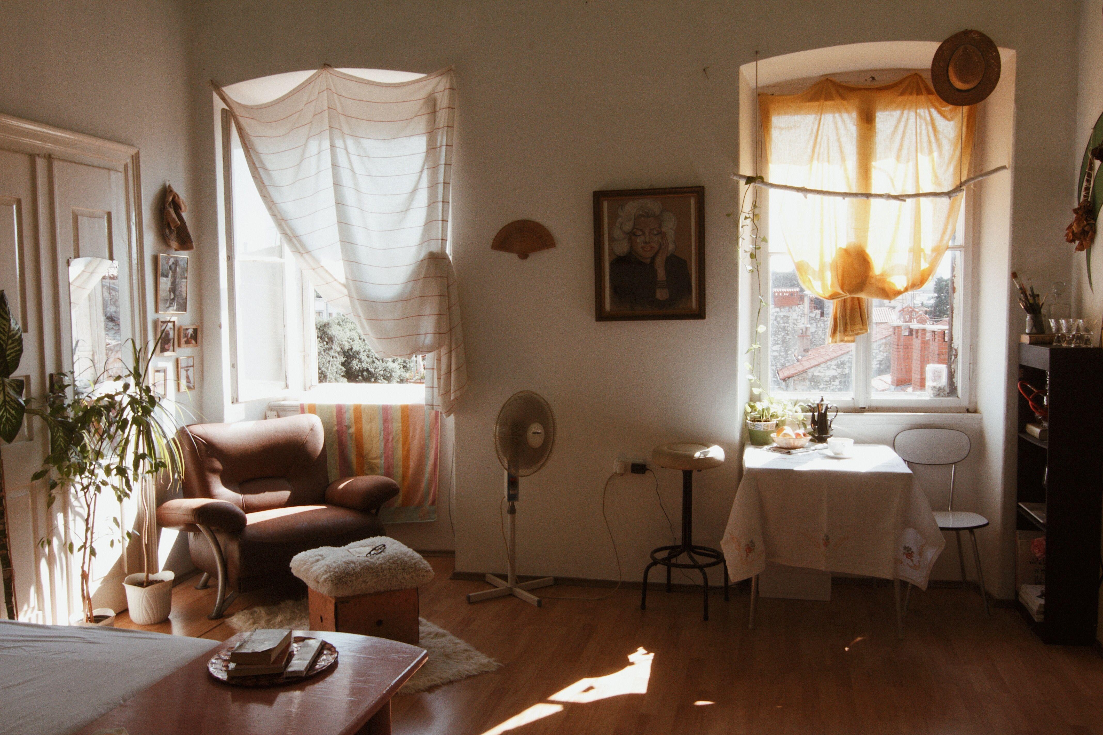 Bedroom Vanities Living Spaces Living Room Nest