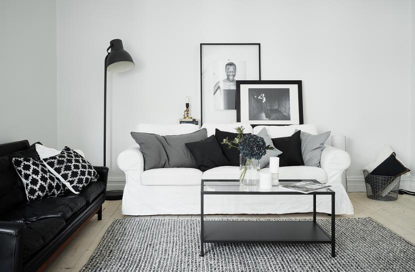 Clean appartement met zwart wit als basis home decoration