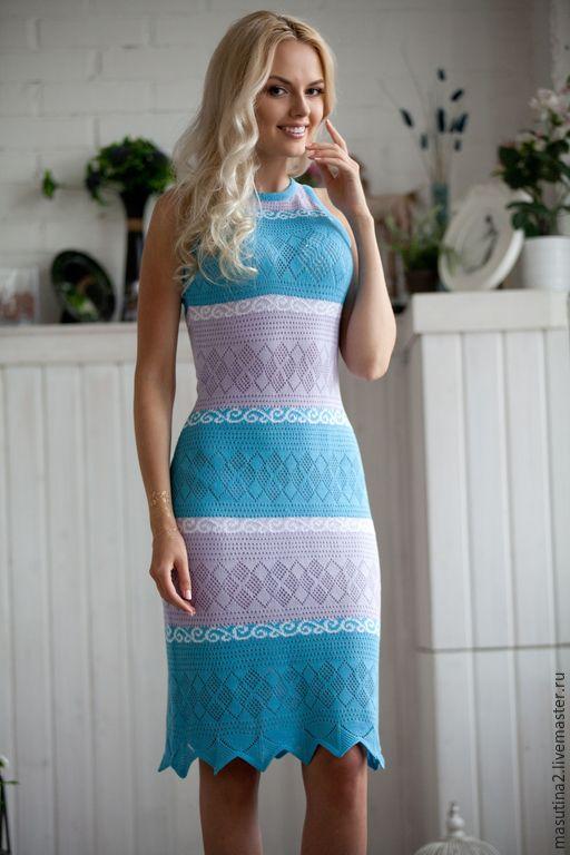 Нежное вязанное платье