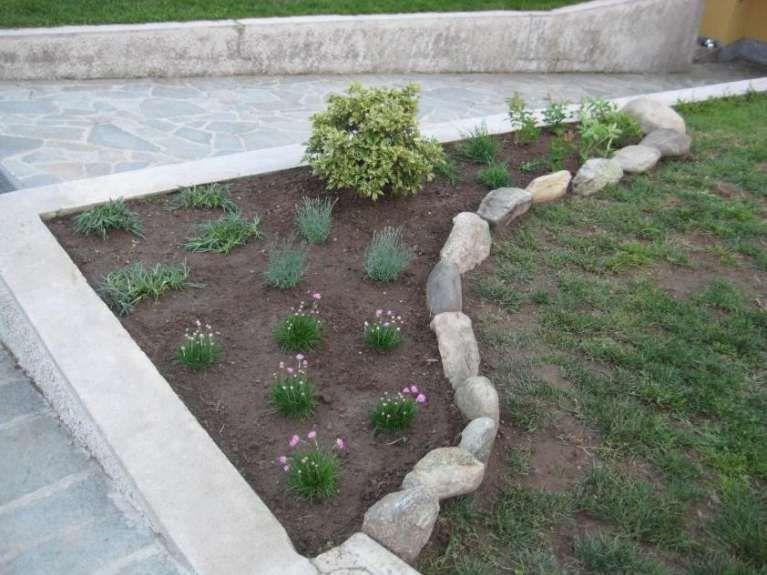 Foto Di Giardini Con Sassi.Decorare Il Giardino Con I Sassi Giardino