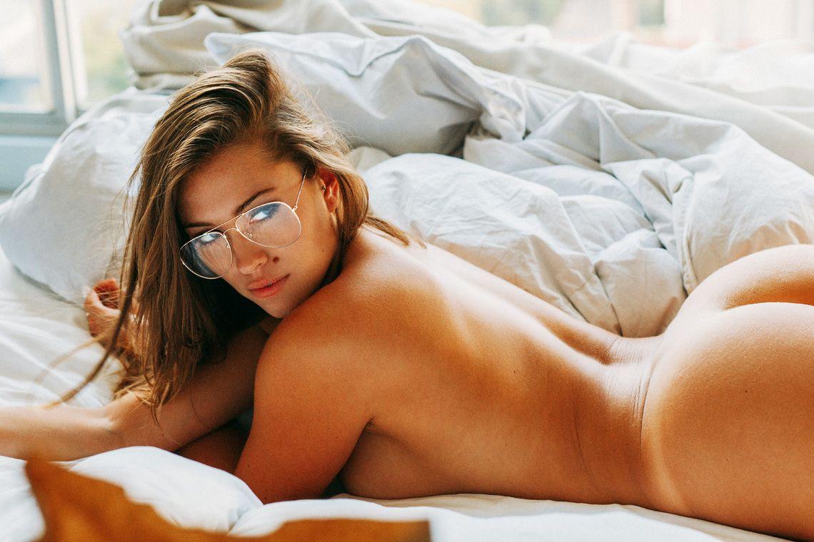 nude-laurel