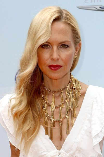 Rachel Zoe Side Sweep - Rachel Zoe wore her long blonde waves glamorously swept to the side at the Empathy Rocks event.
