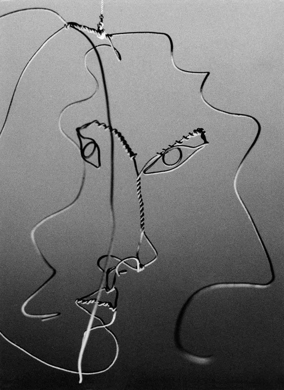 Ugo Mulas, Alexander Calder, wire sculpture, Sachè, 1963   Genius by ...