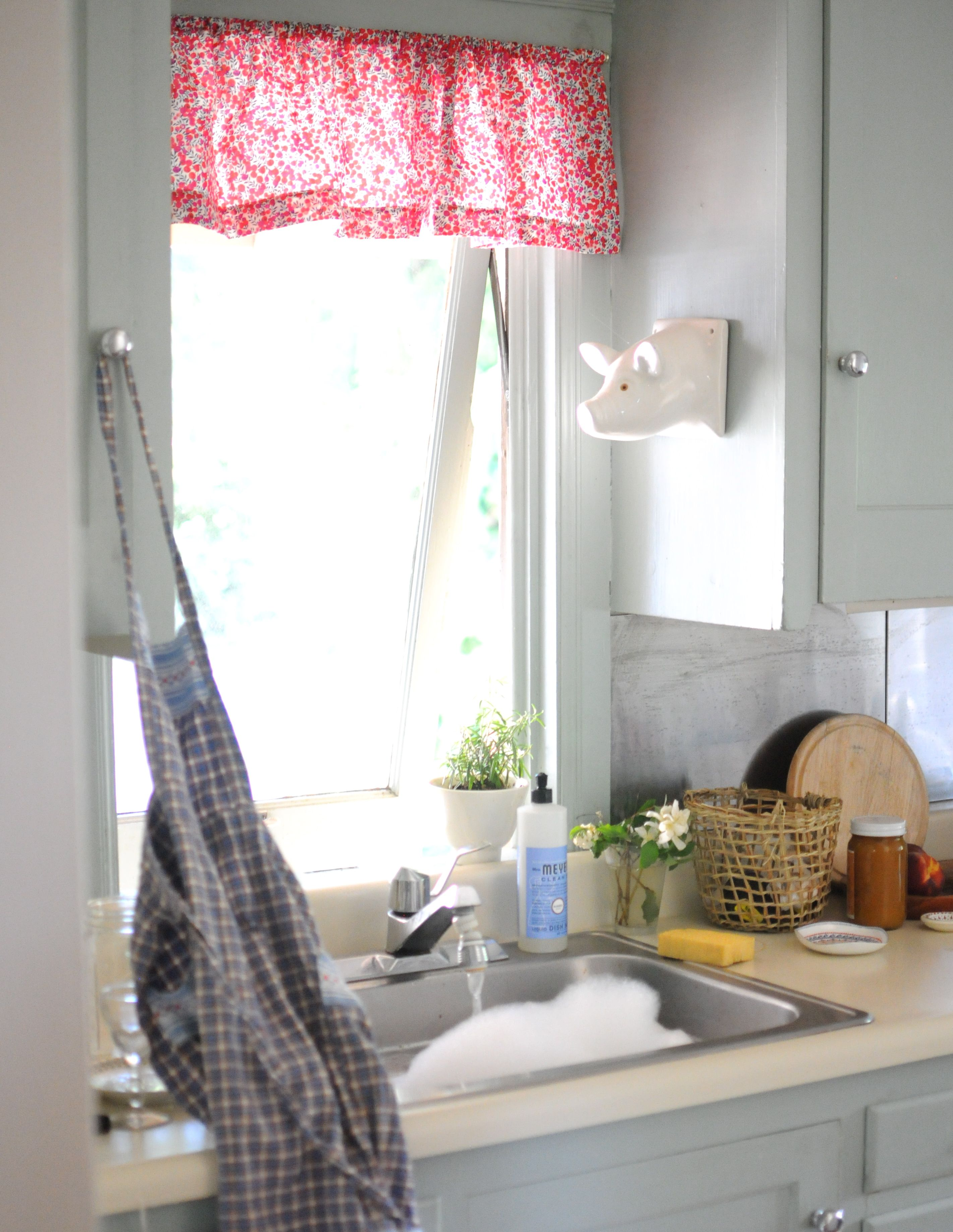 frolic blog....pig   For the Home   Pinterest   Apartments, Kitchens ...