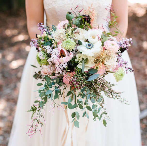 Mit der Anemone im Brautstrauß verzaubern – 2017 mit besonderen Blumen strahlen #bridesmaidbouquets