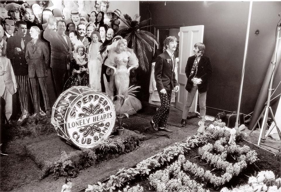 On Set Of Sgt Pepper Sgt Peppers Lonely Hearts Club Band The Beatles Lonely Heart
