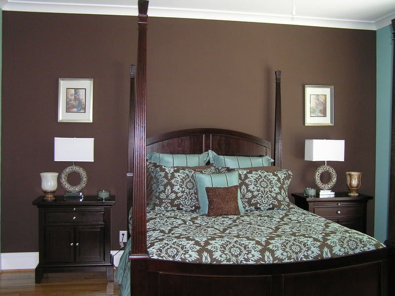 J Hawk: Brown and blue master bedroom ideas-love the brown wall!
