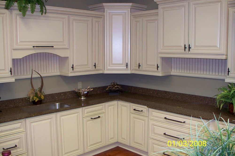 Best 5 Steps To Painting The White Kitchen Cabinets With Glaze 640 x 480
