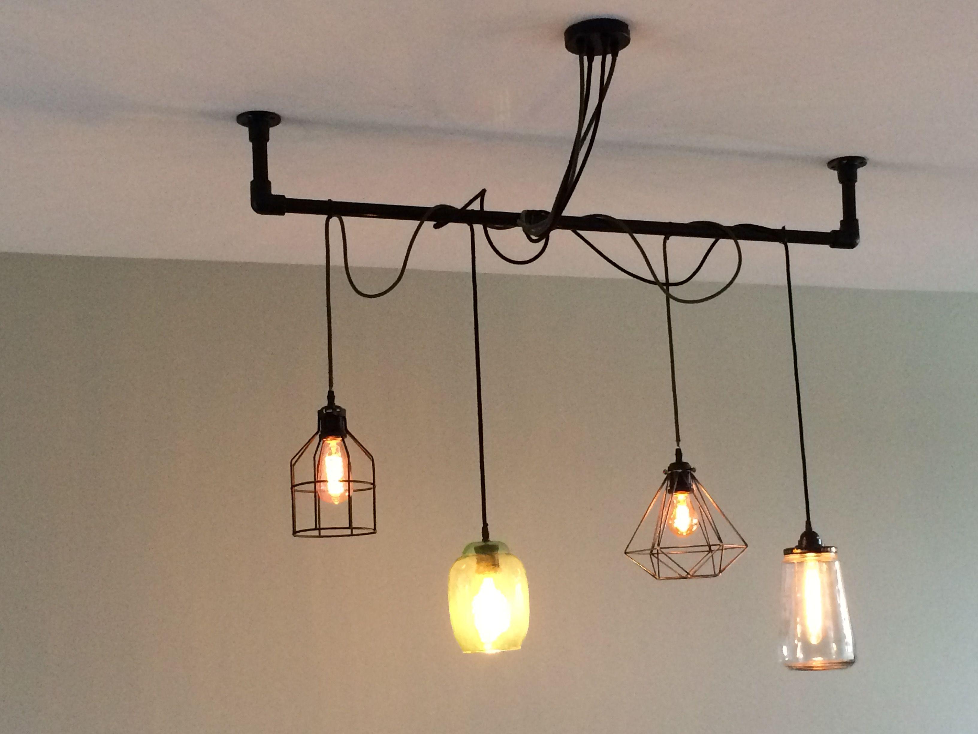 Zwarte steigerbuizen lamp ophanging  Steigerbuis