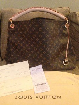 Buy Discount  Louis  Vuitton  Handbags From Here b7b5f8c0098e3