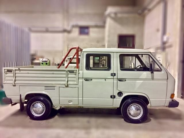 volkswagen t3 vw t3 doppia cabina 1600 cc diesel 2. Black Bedroom Furniture Sets. Home Design Ideas