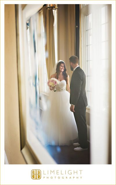 Limelight Photography Victoria And Dustin Featured In The Limelight Don Cesar St Petersburg St Petersburg Fl Wedding Photography Photography Wedding