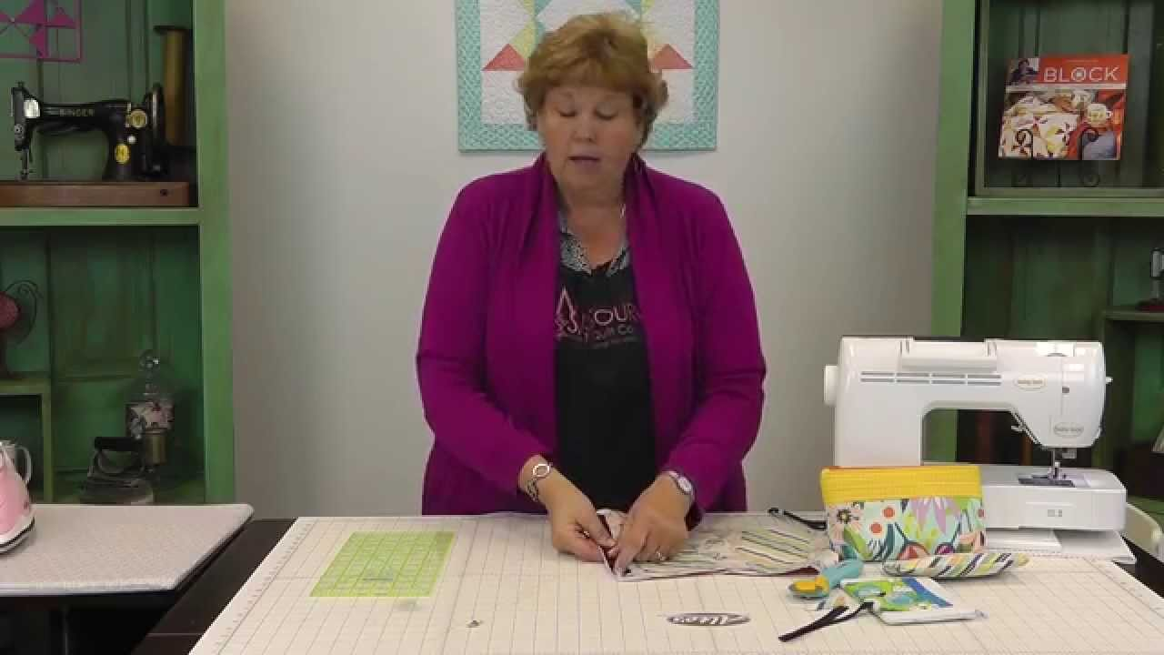 *The Zipper Pouch: An Easy Quilting Project Tutorial by Jenny Doan of Missouri Star Quilt Co. MSQC's Jenny shows us how to make a cute pouch with a zipper. To...