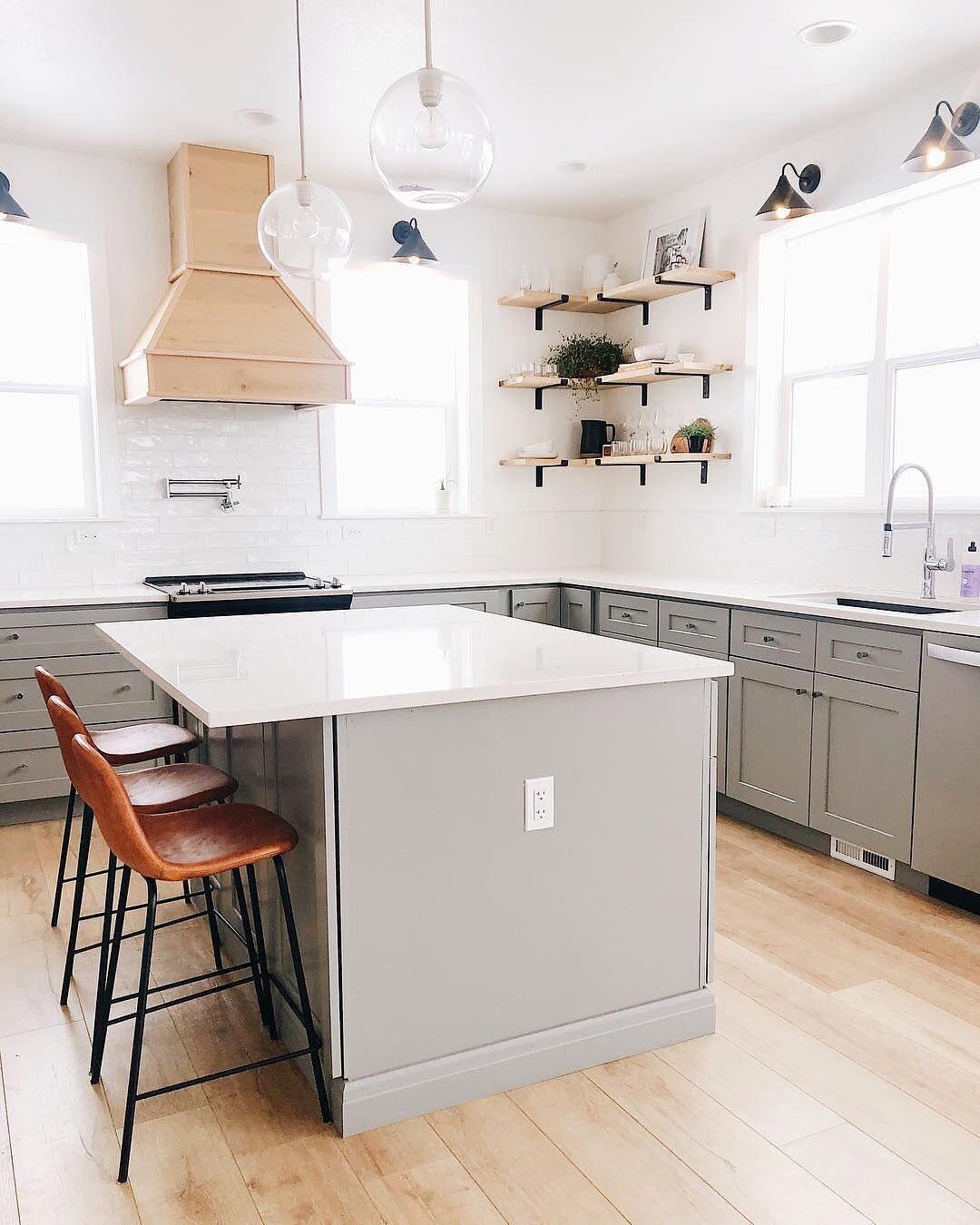 Instagram Minimalist Kitchen Set