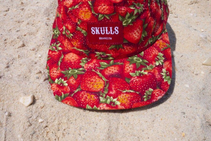 skulls / strawberries / oh!