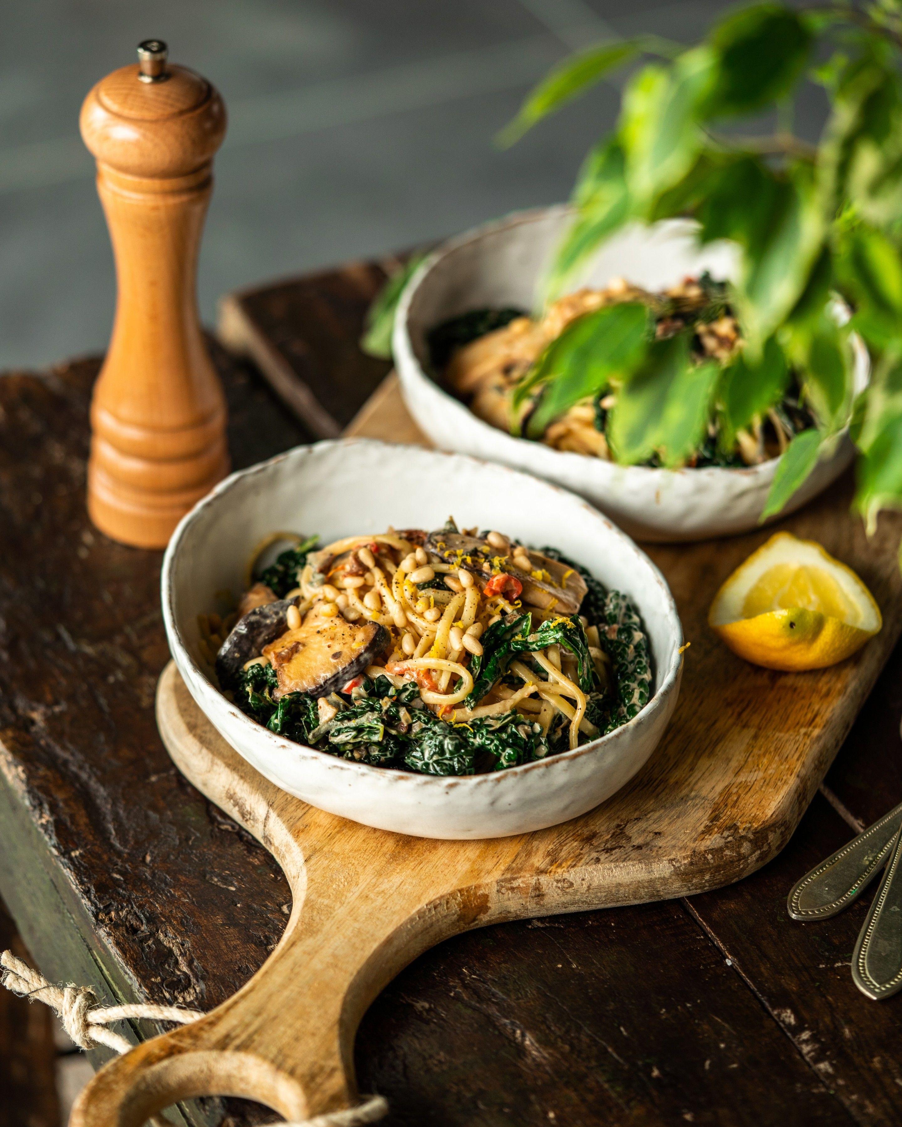 Creamy King Oyster Mushroom Pasta Avant Garde Vegan In 2020 Mushroom Pasta Oyster Mushroom Recipe Mushroom Recipes Vegan