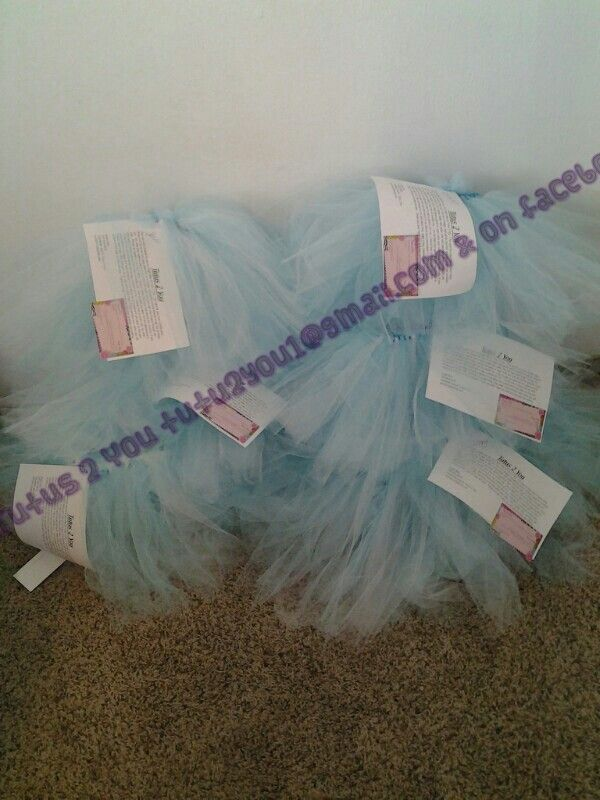 Frozen inspired tutus for birthday party favors.  Created by Angie @  Tutus 2 You