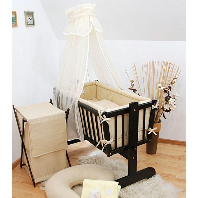 cuna negra en la habitacin de beb