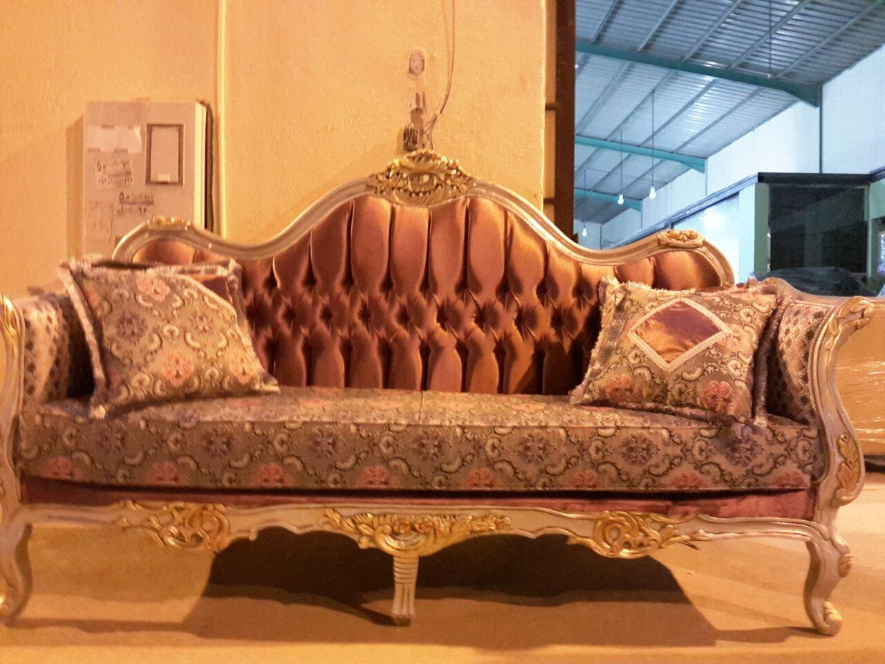 محلات اثاث بالرياض افضل محلات تصميم وتنفيذ افضل موديلات الاثاث غرف نوم مجالس كنب اريكه غرف طعام سفره شغل دمياطى اصلى نحن Antique Sofa Love Seat Chaise Lounge