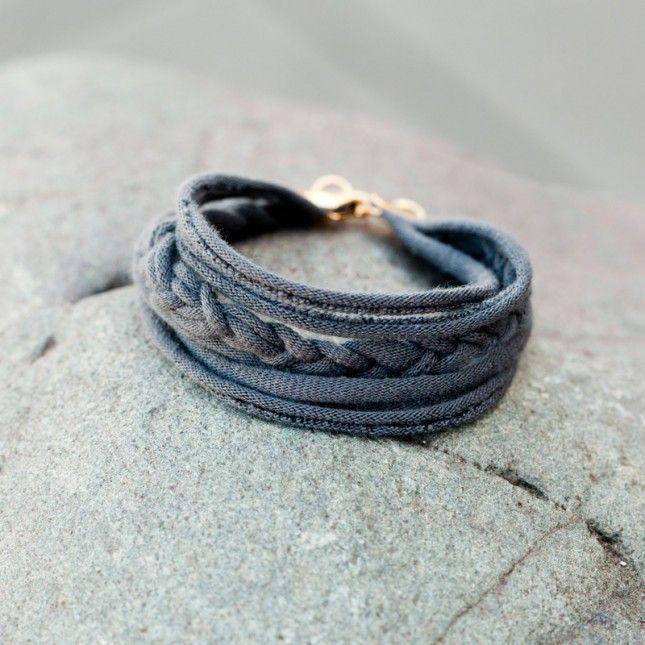 T shirt friendship bracelet 15 ways to turn t shirts into jewelry jewelry ideas solutioingenieria Images