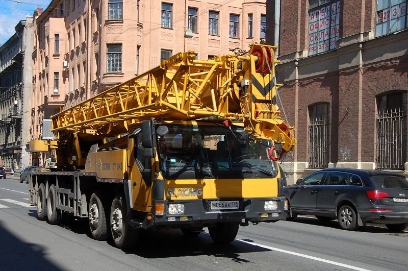 What to Look for In When Hiring A Mobile Crane? (With