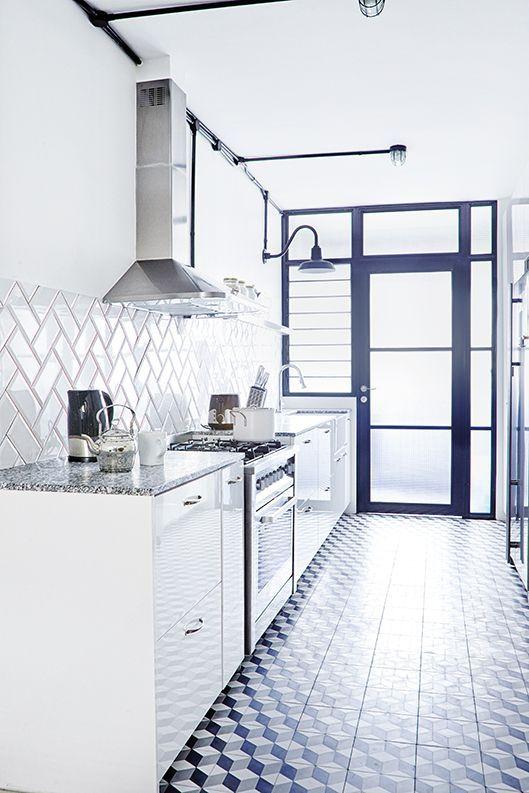Minimalist Hdb Design: Bright And White, Three Room HDB Flat, Photo 5 Of 8