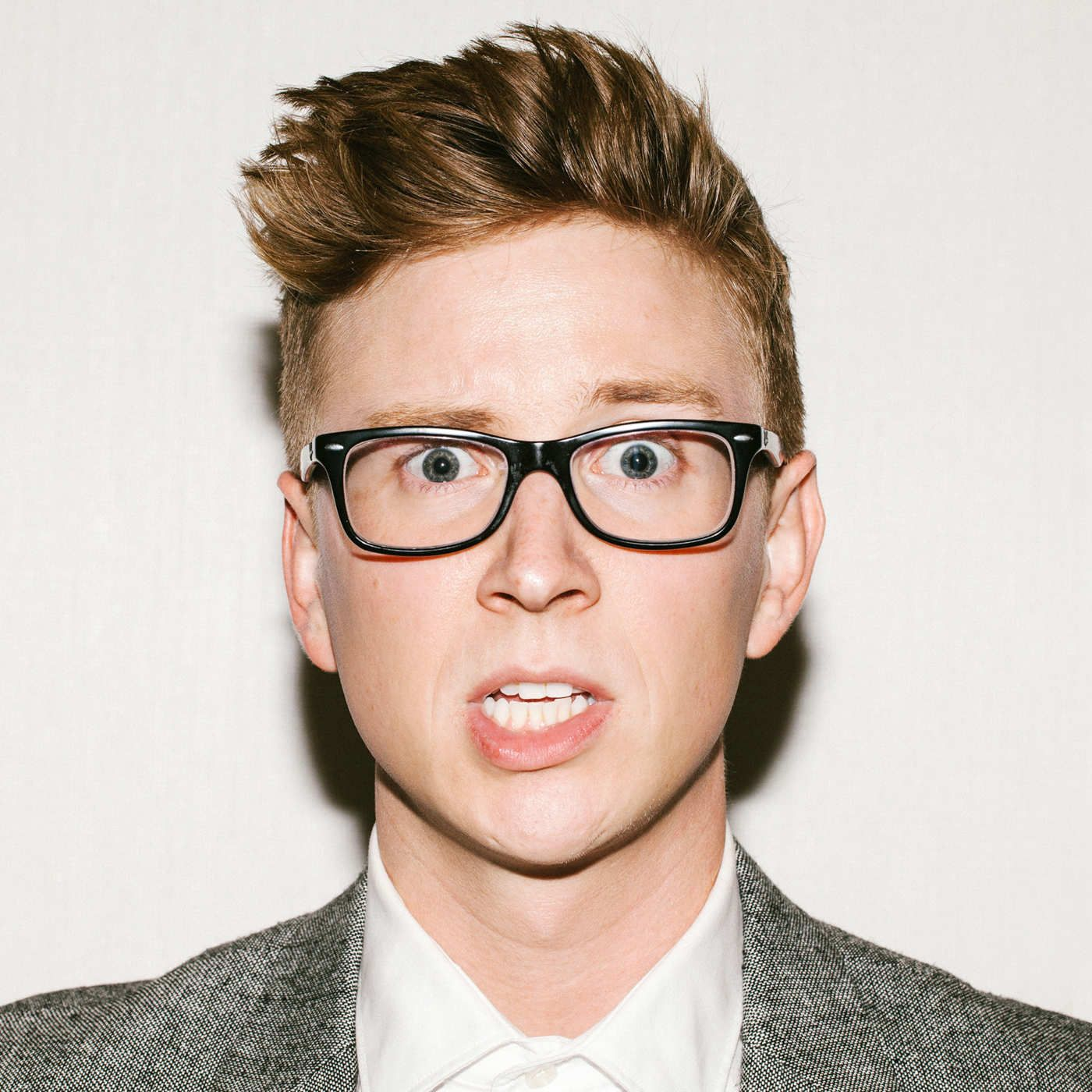 Ellen, Analog, Amazing Race: YouTube Star Tyler Oakley ...