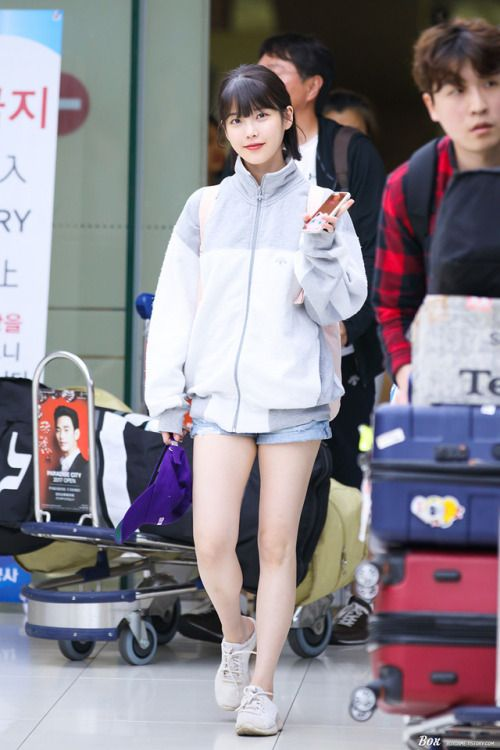 IU #fashion #style #kpop #airport | Fashion Airport, Red ...