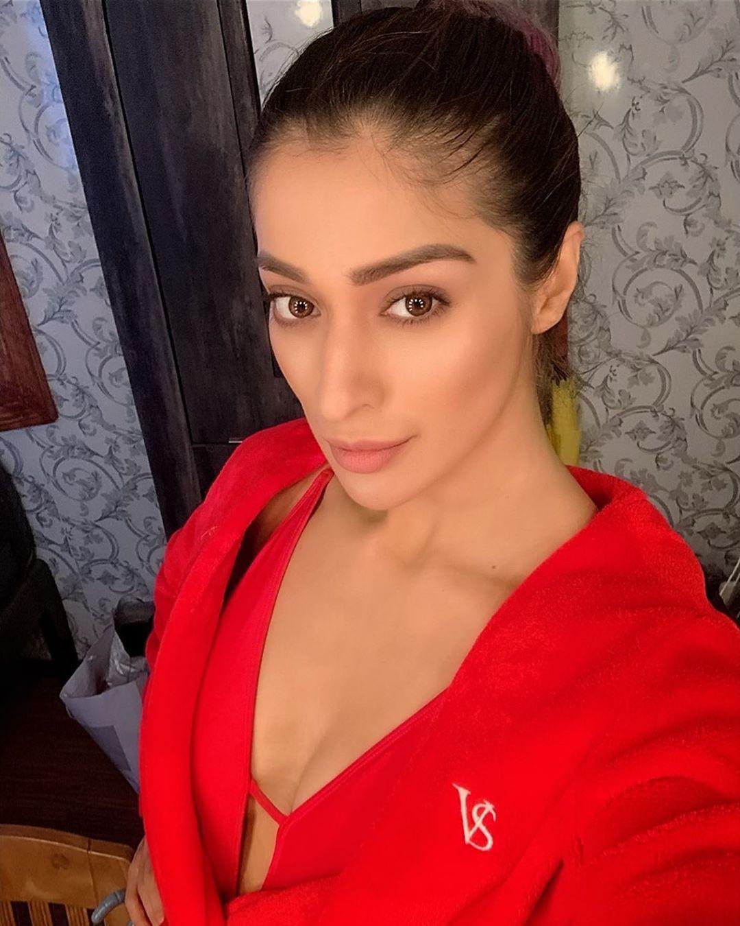 Raai Laxmi in 2020 | South indian actress hot, Bollywood