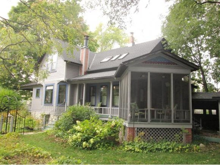 133 s huron st de pere wi 54115 zillow zillow types