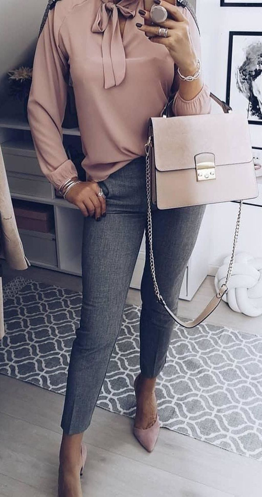 20+ Latest Winter Business Outfits Ideas For Woman In Your Office