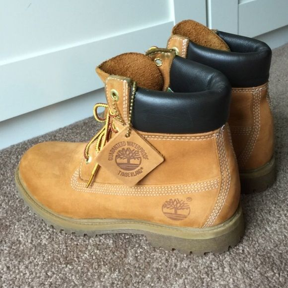 d9ec0afa42383 Comes with leather timberland tag and box. These are Beautiful waterproof  leather. Amazing boots! Serious buyers welcome to make an offer. Timberlands  Shoes ...