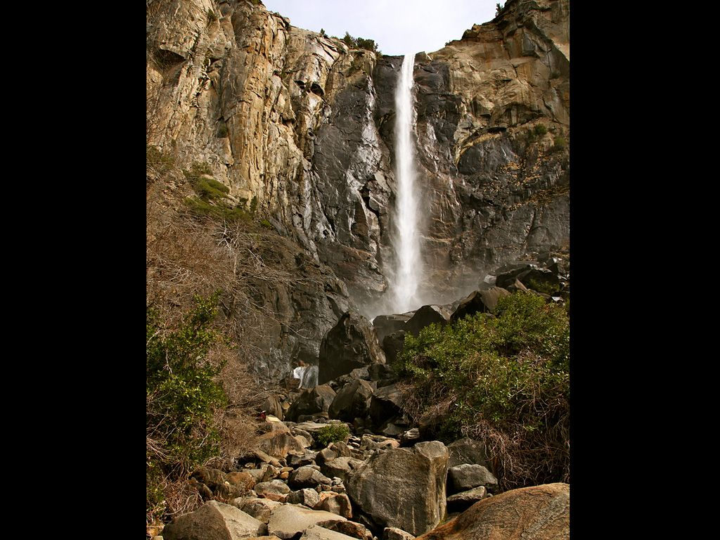 Bridalveil Fall Yosemites 13 Must See Attractions National Parks Yosemite National Park Yosemite