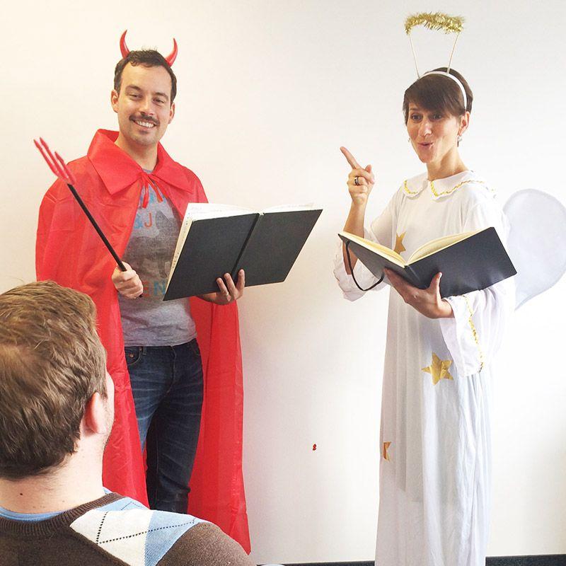 Toller Hochzeitsscketch Und Witziges Partyspiel Engel Und Teufel Engel Und Teufel Geburtstag Gratulieren Geburtstagsspiele
